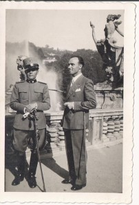 This photograph was taken 80 years ago. I want to know who the Italian officer is